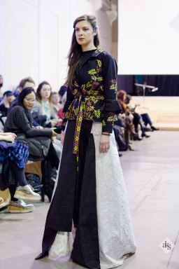Elegant-Batik-Fashion-Show-Indonesia-Designer