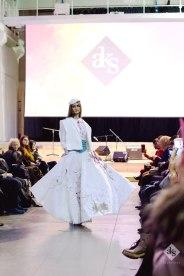 Modest-Artistic-Dress-Fashion-Show-at-Milan