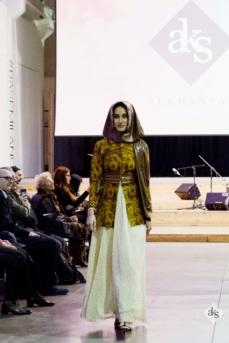 Modest-Hijab-Batik-Fashion-Show-in-Milan